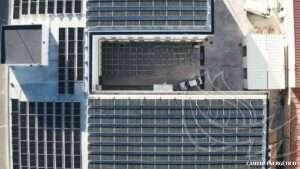 Instalación de autoconsumo industrial realizada por Cambio Energético