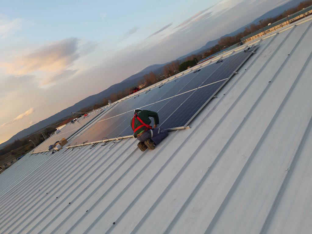 instalacion-paneles-solares-para-empreas