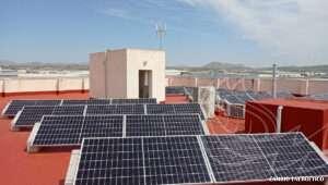 Portada de instalación solar fotovoltaica en una industria de Alicante