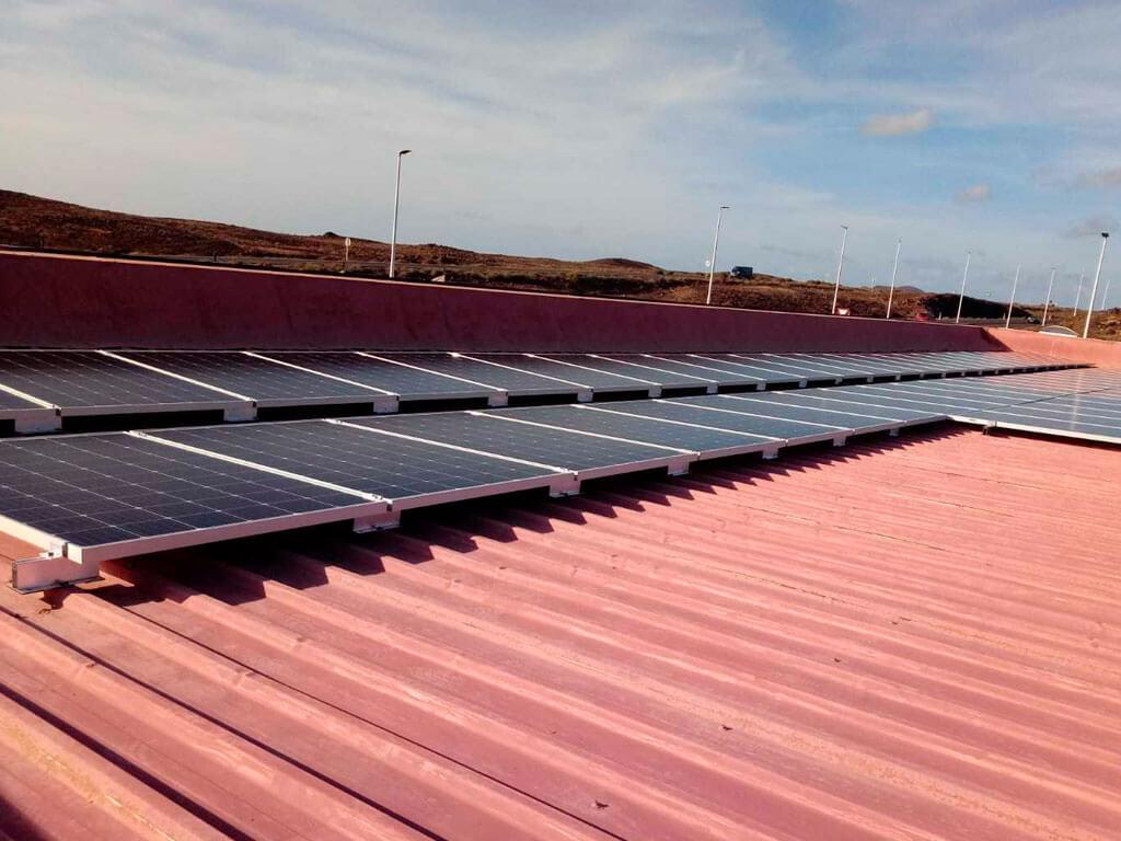 Instalación solar gasolinera Canarias